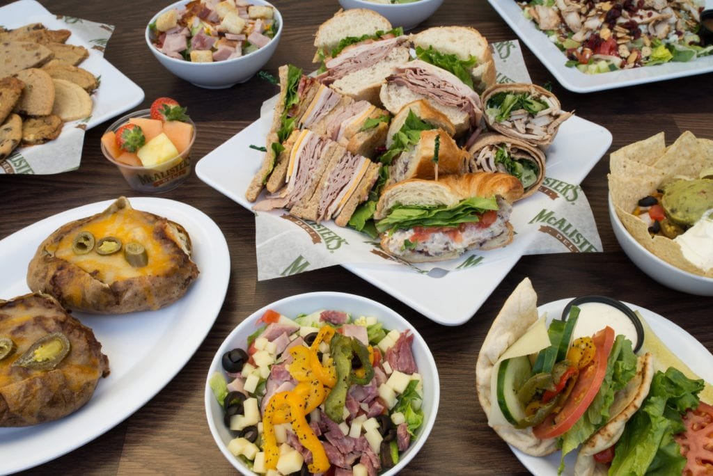 Whether you want smoky barbecued meats or delicious sandwiches, it's easier than ever to find delicious options from these ten best restaurants catering in Tampa.