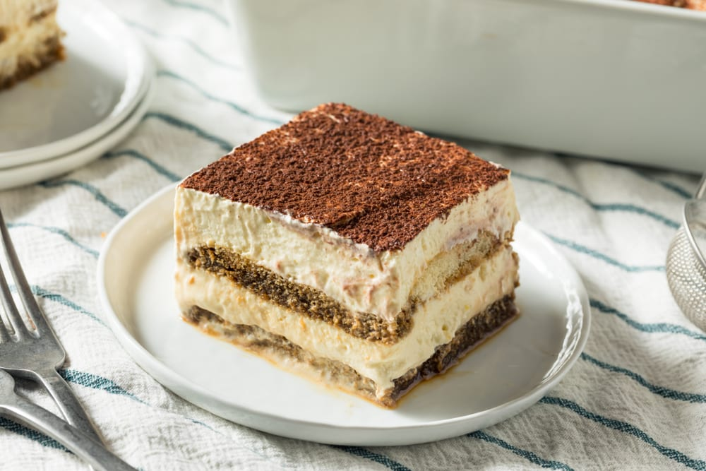 For a delicious Italian dessert, a great catering idea is a tray of tiramisu.