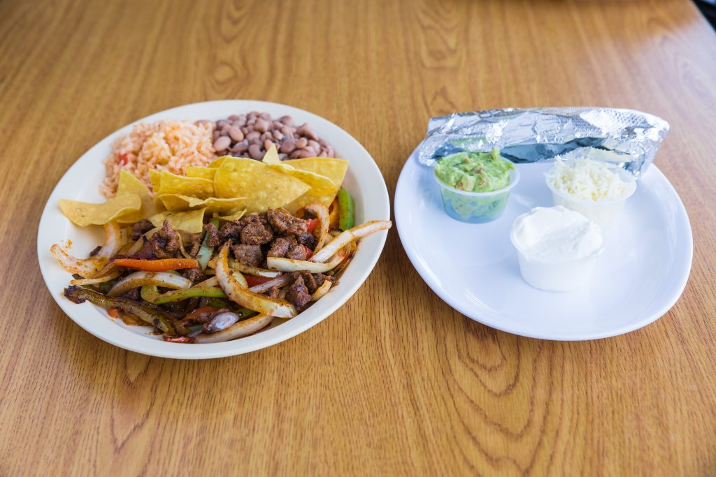 Una Mas Mexican Grill Fajita Bar