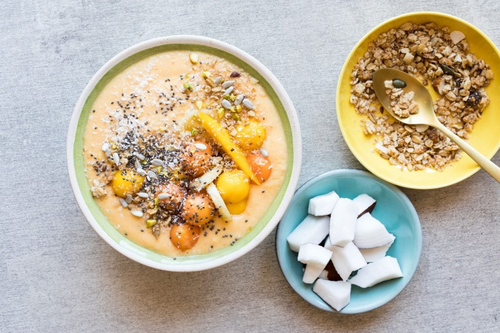 Food trends for millennials in the workplace: Smoothie bowls